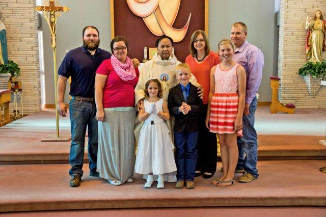 FAMILYCOMMUNIONROSE2104